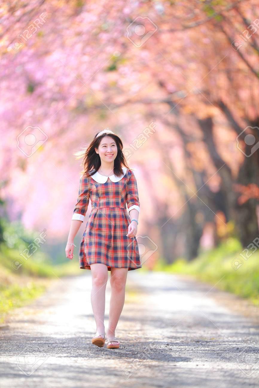 Fairy Retrato Adolescente Joven En Tela Escocesa. Día De La ...
