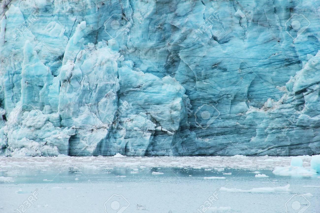 Spitsbergen glacier Stock Photo - 17372728