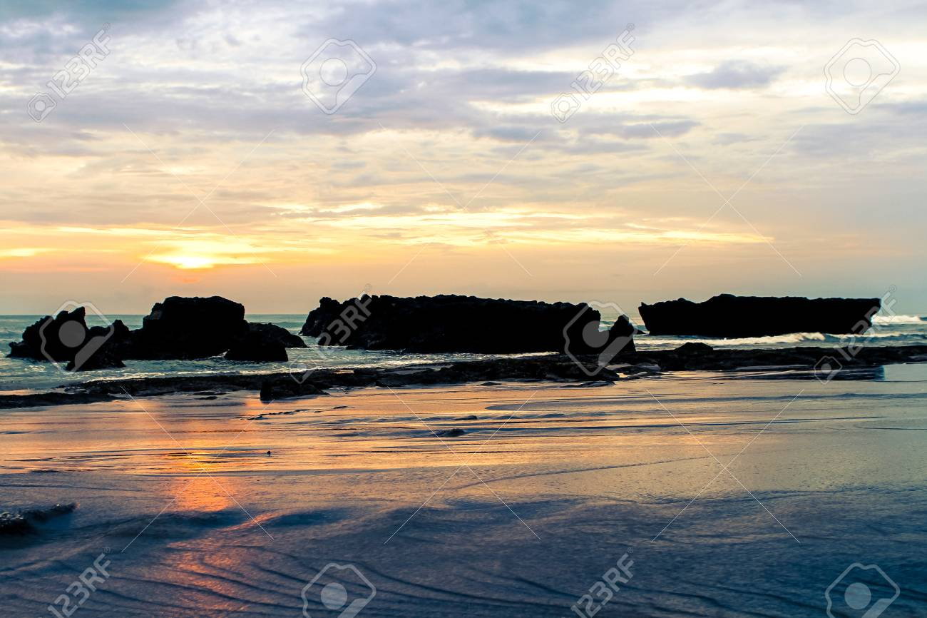 a beach of the ocean on a hot summer day Stock Photo - 18320407