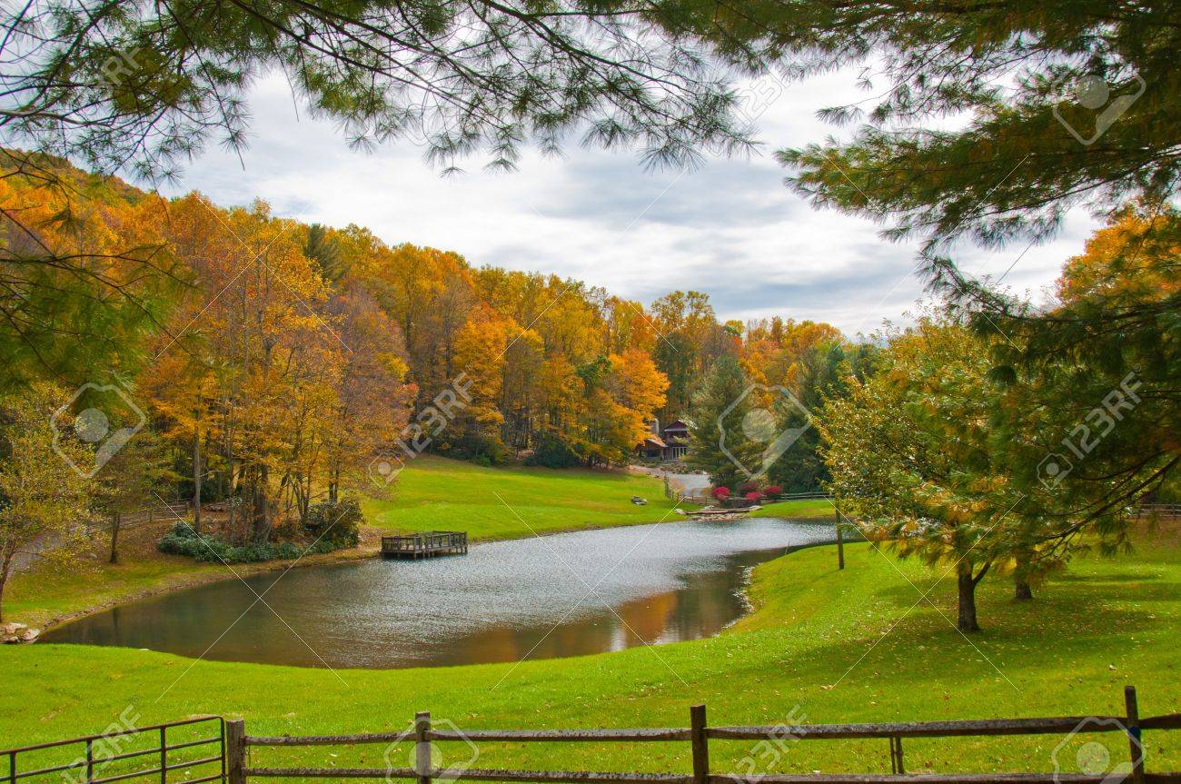 Lake House With Fall Foliage N C Scenic Autumn View Of North