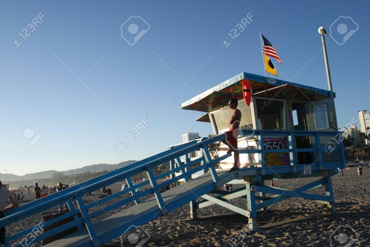 Lifeguard tower on Santa Monica beach late morning Stock Photo - 9891365