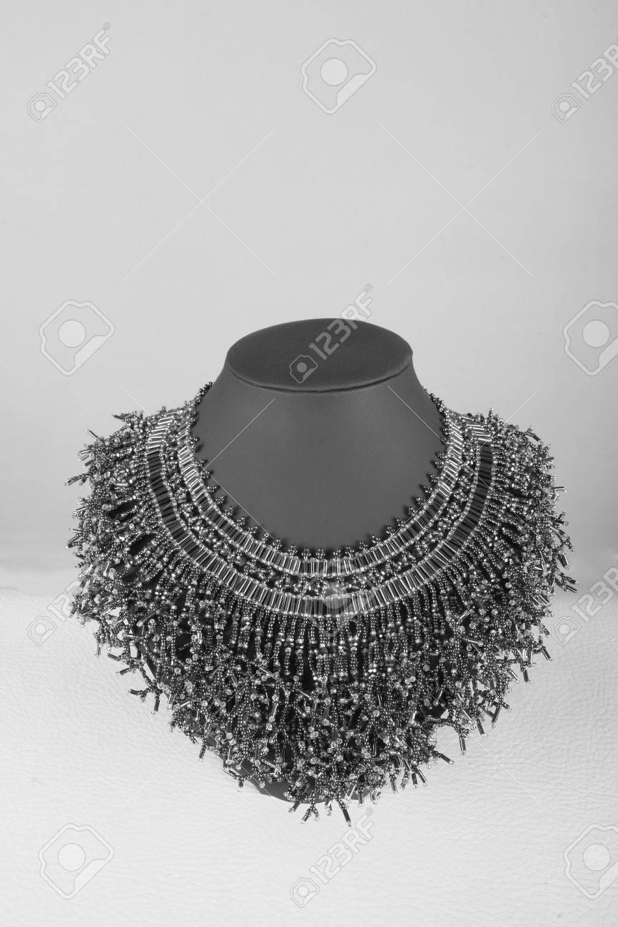 Vintage-Spitze Abnehmbarer Kragen-Halskette. Stickerei, Häkeln ...