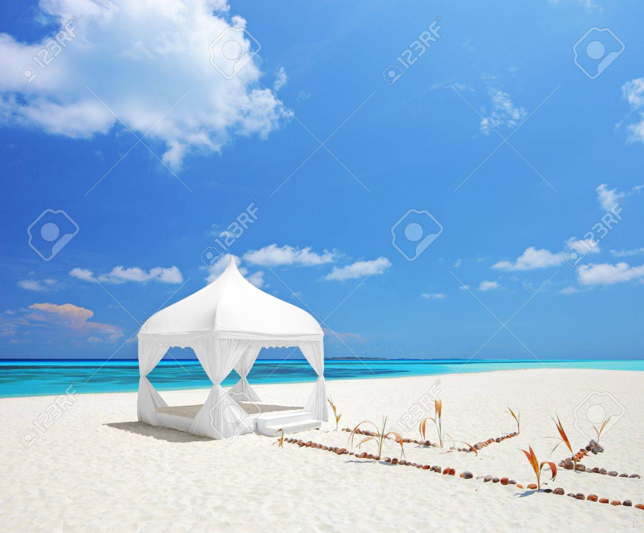 A view of a wedding tent on a beach in Males Stock Photo - 13533845  sc 1 st  123RF Stock Photos & A View Of A Wedding Tent On A Beach In Males Stock Photo ...