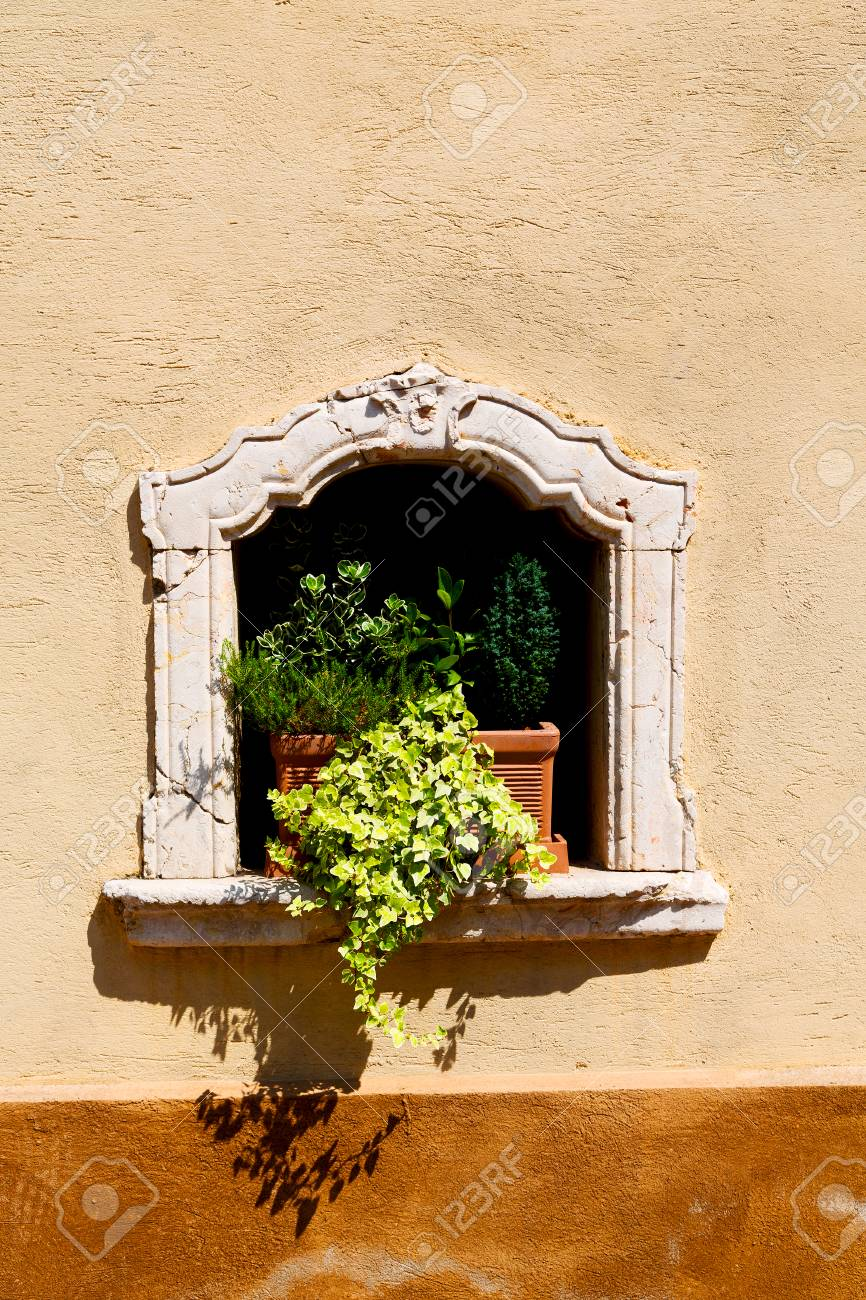 Pretty Cathedral Window Frame Wall Decor Images - The Wall Art ...