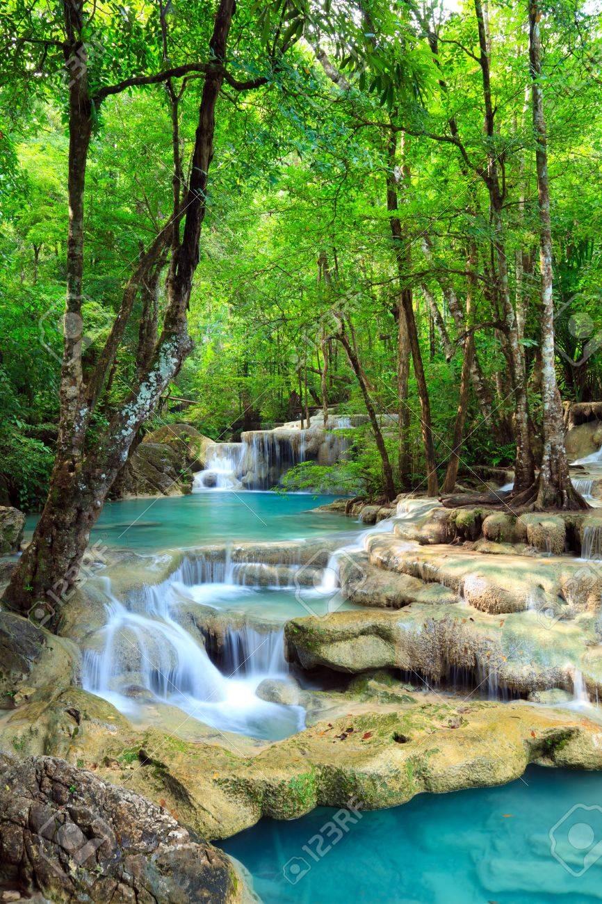 エラワンの滝、カンチャナブリ、タイ の写真素材・画像素材 Image ...