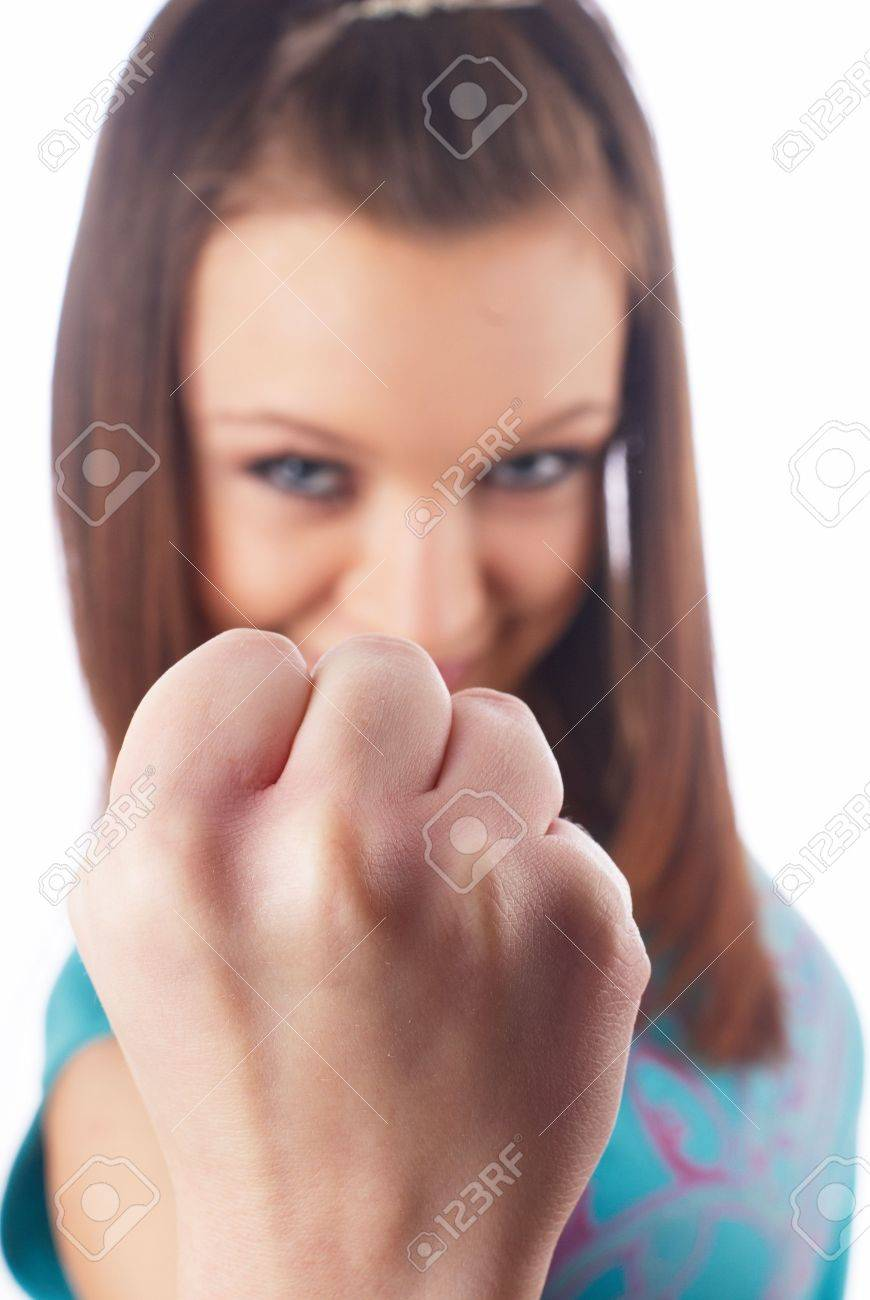 Фото как девушка покажет кулак 2 фотография