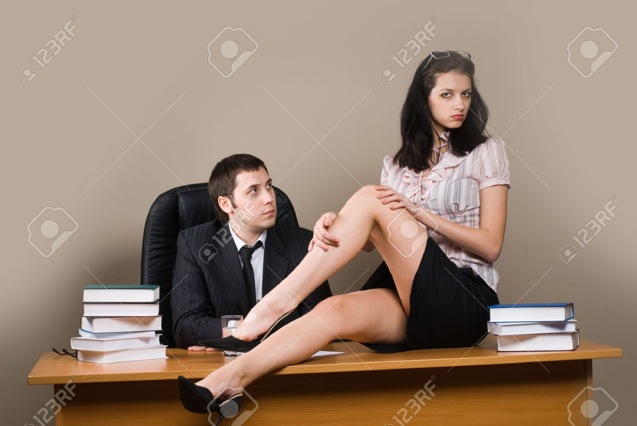 Шеф на работе с секретаршей 7 фотография