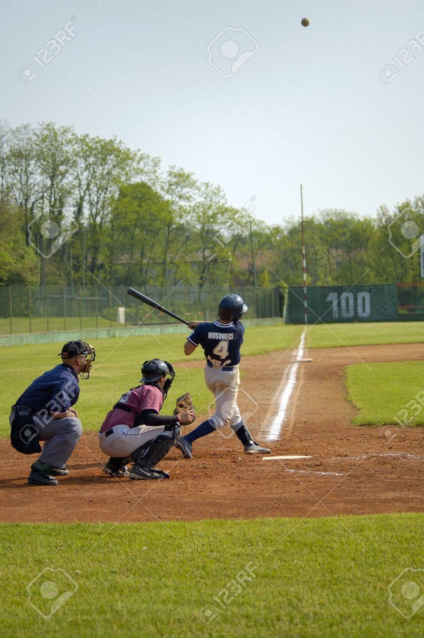 Images Softball Players Player Hitting Ball Softball