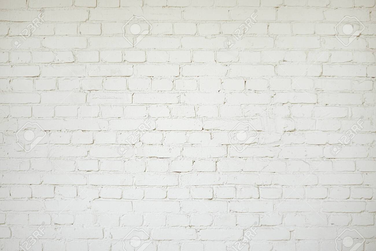 Old white brick wall background texture close up - 136591311