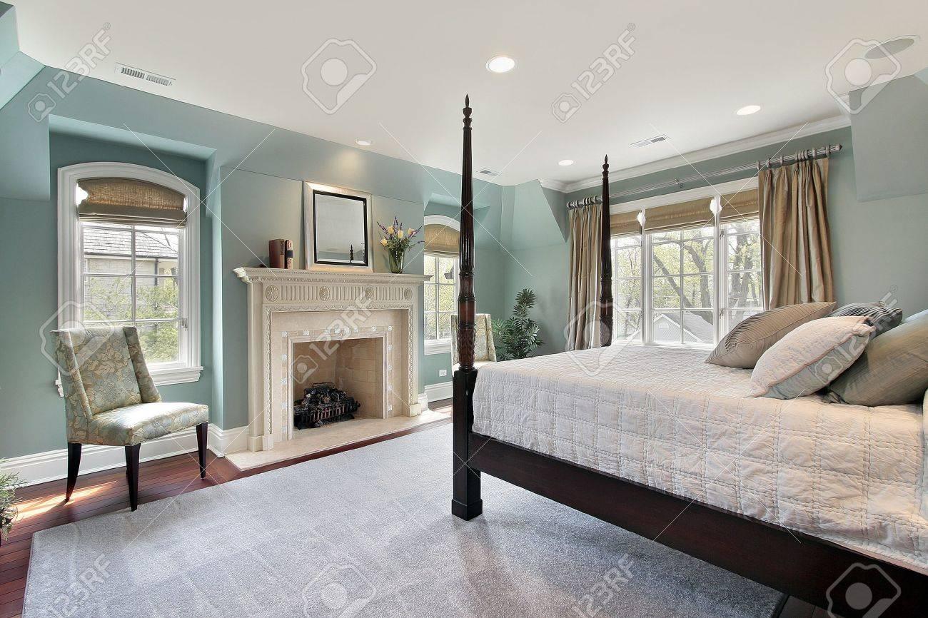 Master Schlafzimmer Luxus Haus Mit Marmor Cheminee Lizenzfreie Fotos