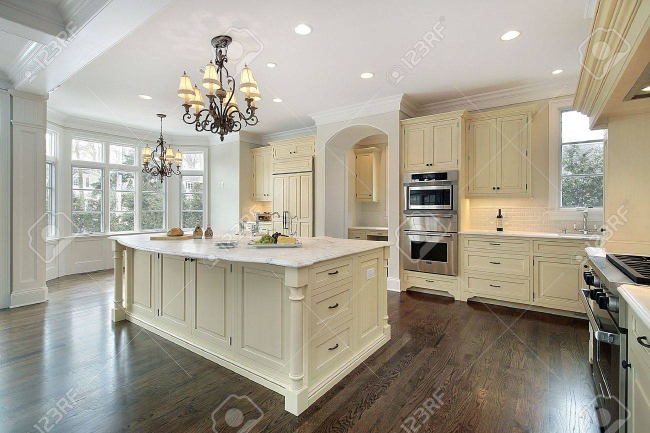 Kitchen In New Construction Home With Large Island Stock Photo