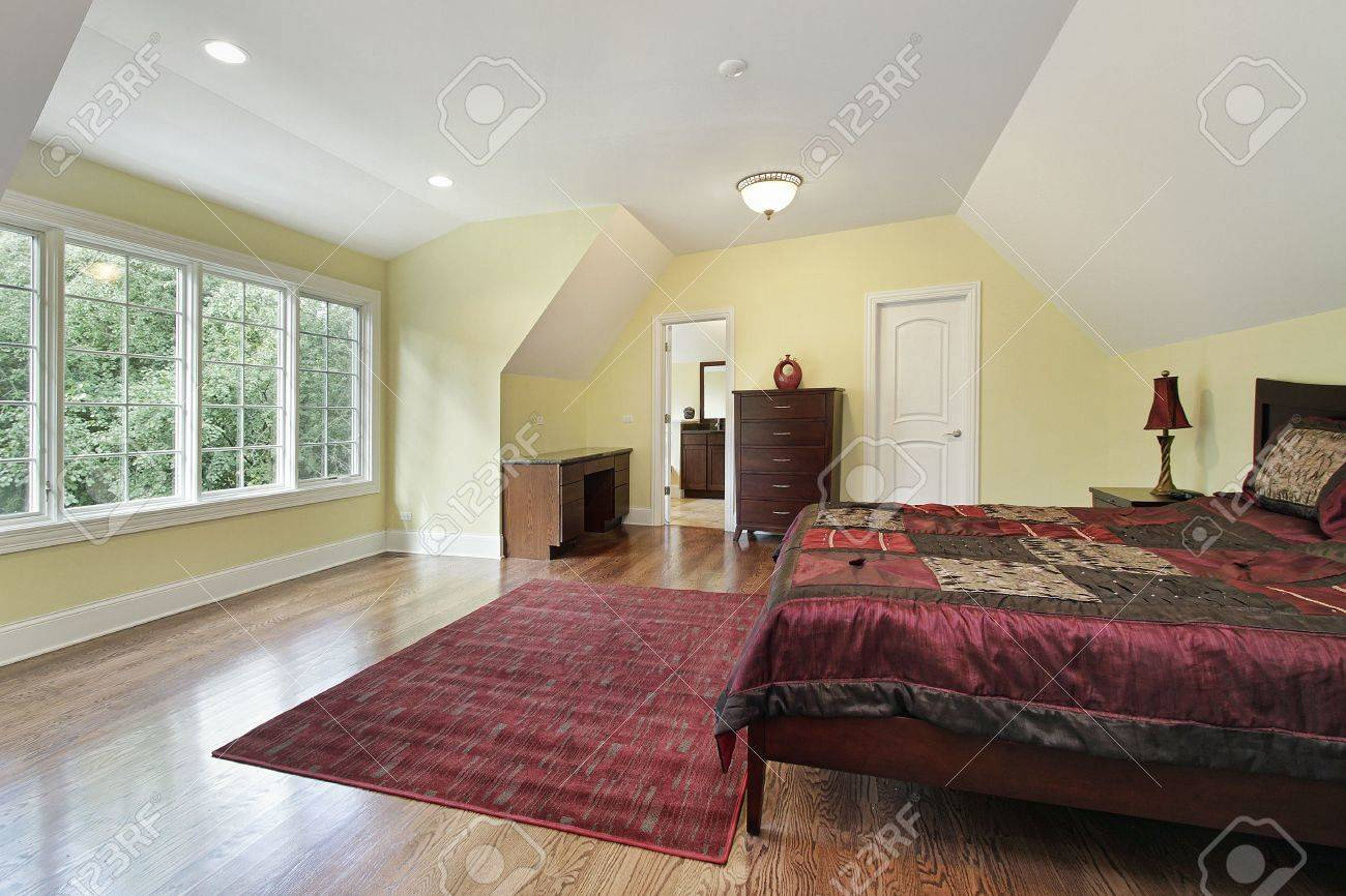 Master bedroom in luxury home with tray ceiling Stock Photo - 6739011