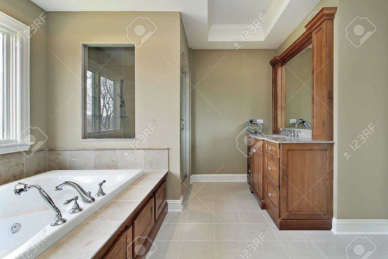 master bad im neubau mit glas-dusche-fenster nach hause, Hause ideen