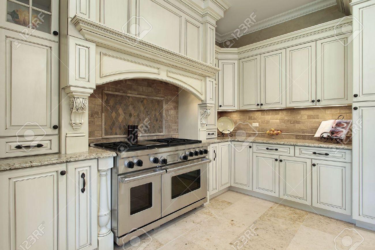 Dipingere Mobili Cucina Legno : Dipingere mobili cucina vecchia best ricolorare le piastrelle con