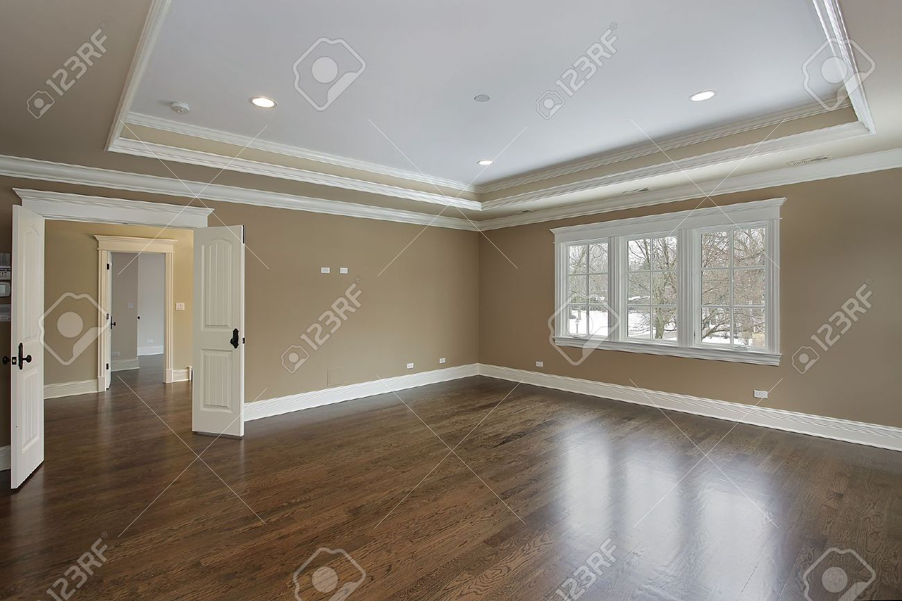 Tray Ceiling Master Bath In New Construction Home With Tray Ceiling Stock Photo