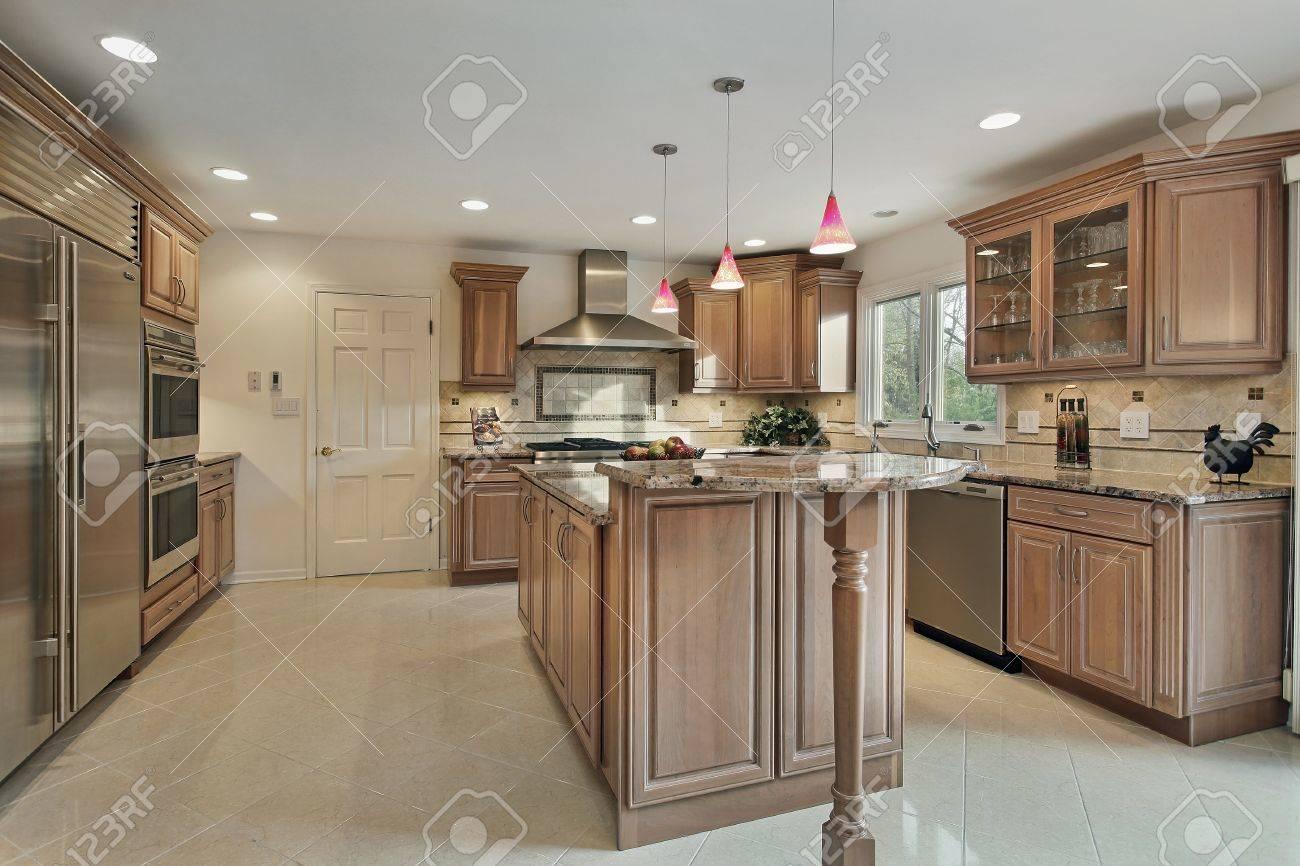 Küche In Renovierten Haus Mit Holz Schränke Lizenzfreie Fotos ...