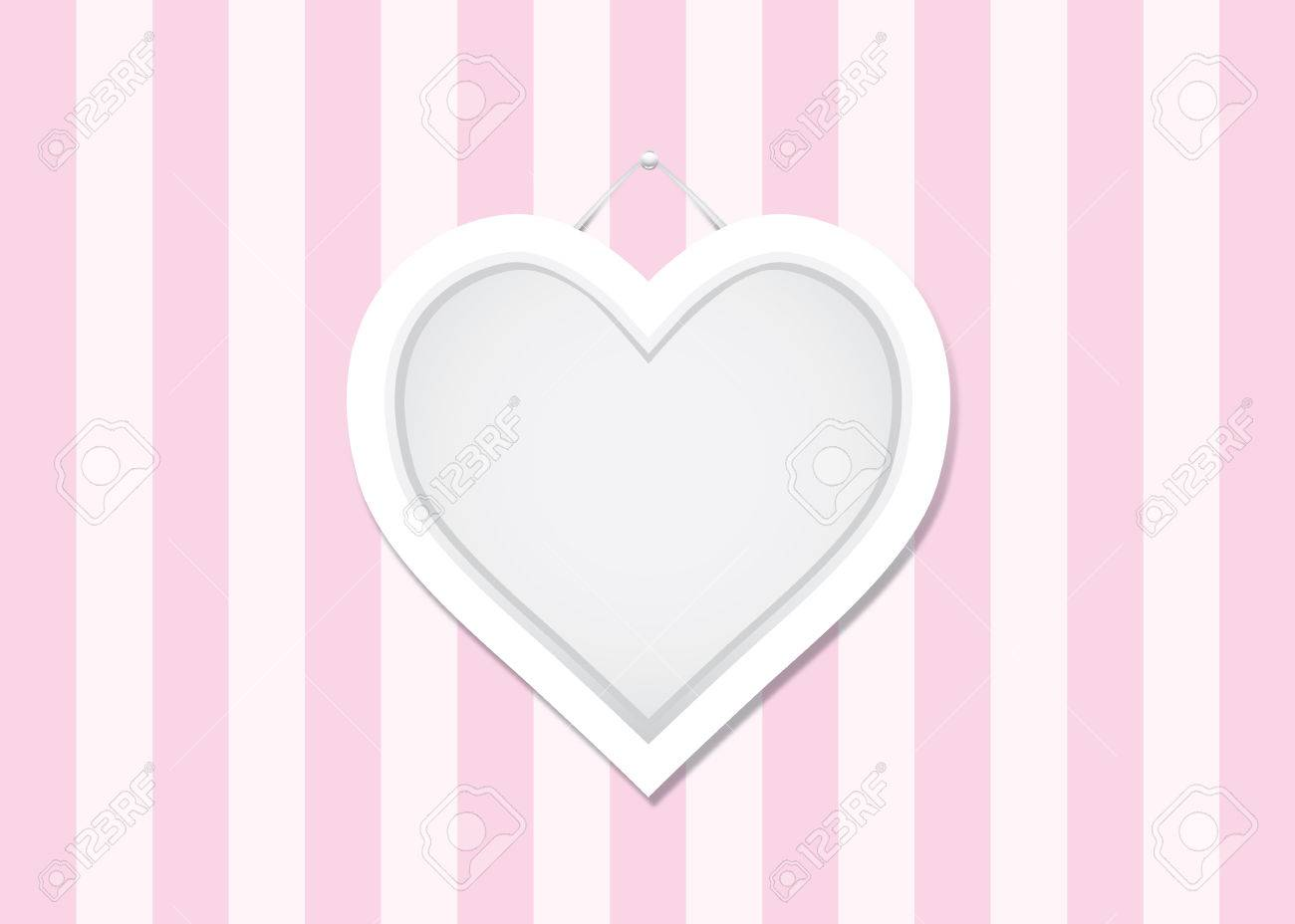 Herz-Form-Rahmen Auf Rosa Alternative Weiße Wand Lizenzfrei Nutzbare ...