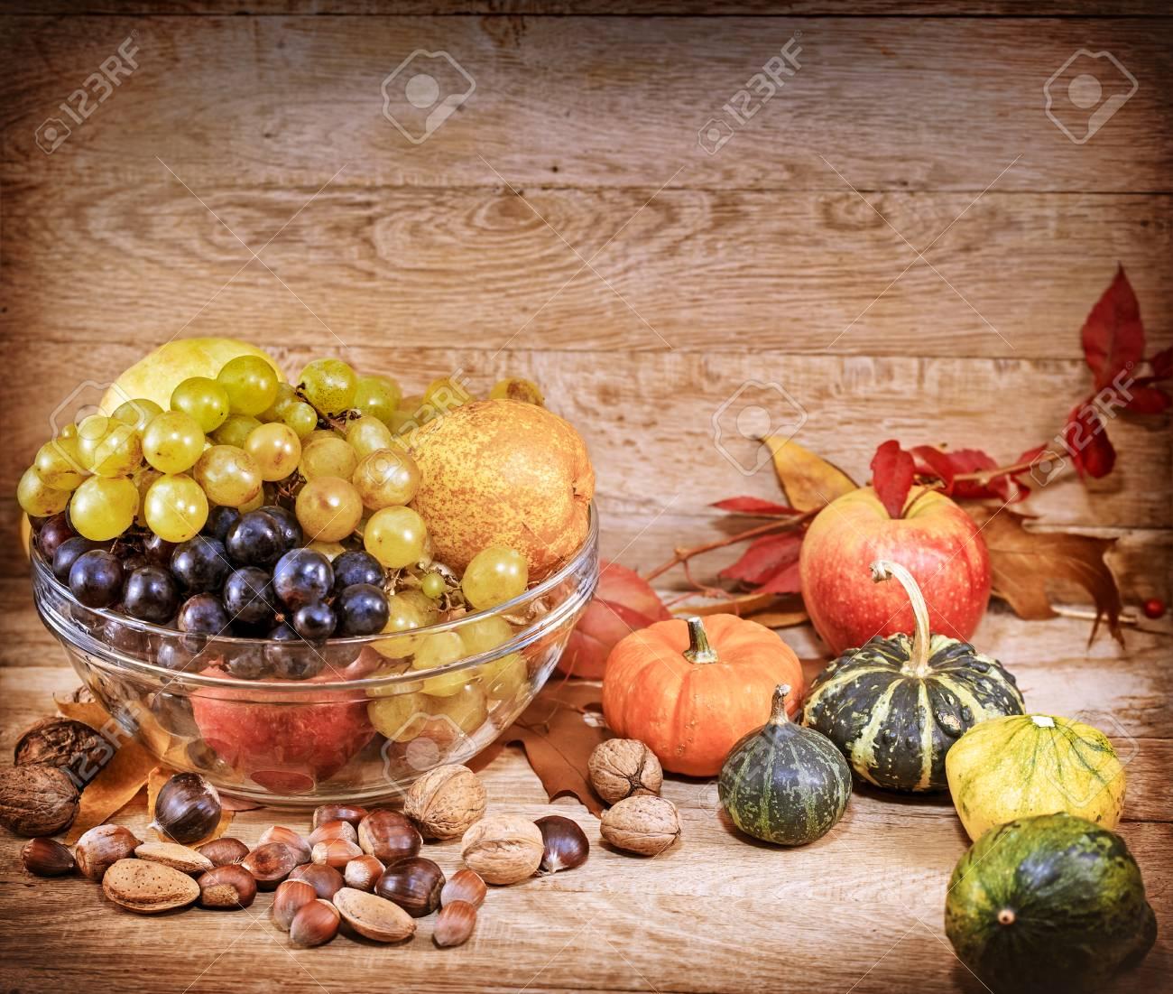 Herbsternte Herbst Obst Und Gemuse Lizenzfreie Fotos Bilder Und