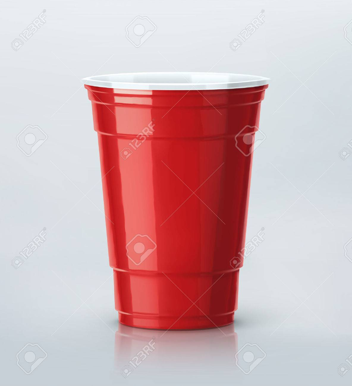 Isolated red party cup Standard-Bild - 43876924