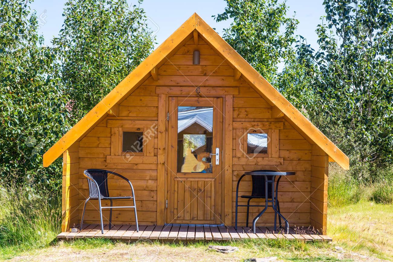 Small wooden holiday home in summer on Iceland - 153311143