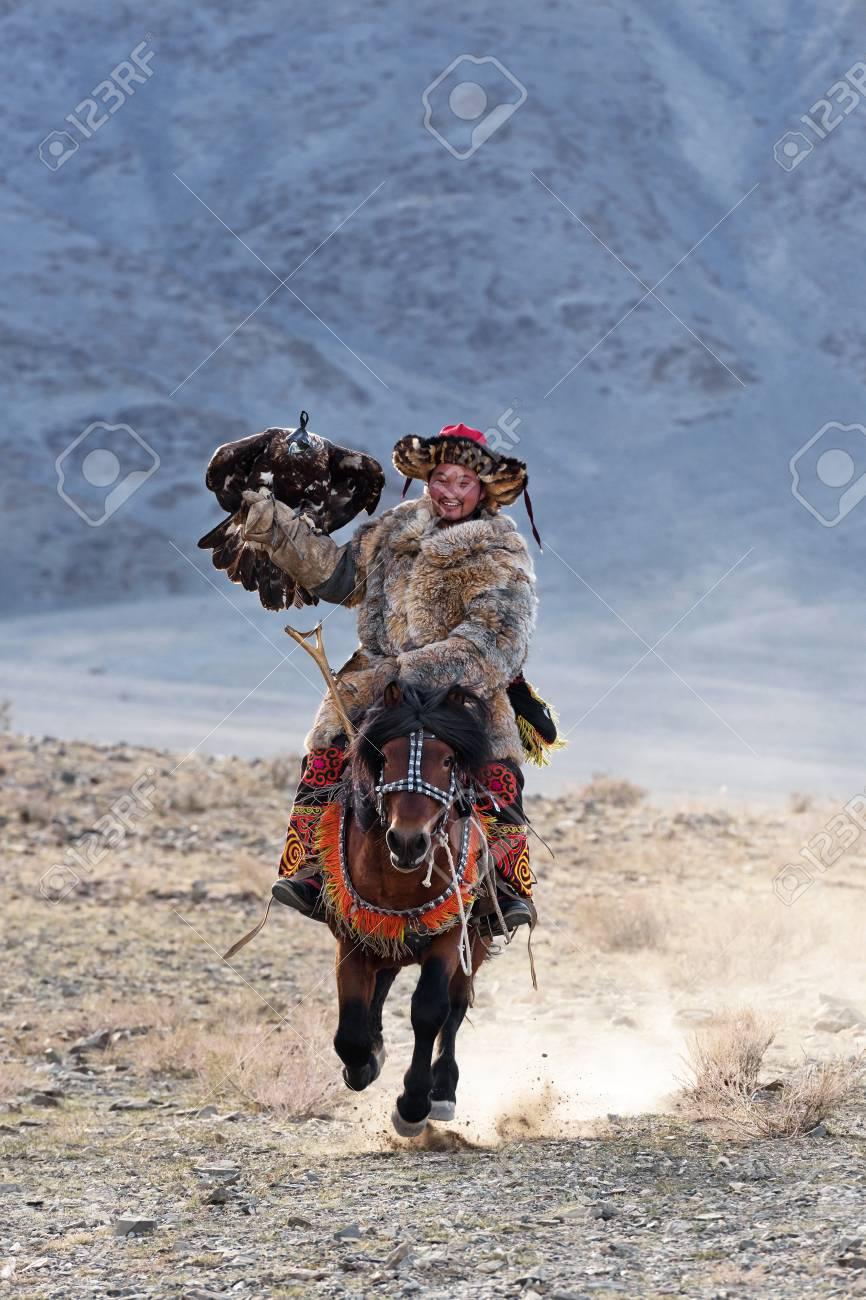 バヤン ・ ウルギー、モンゴル-2...