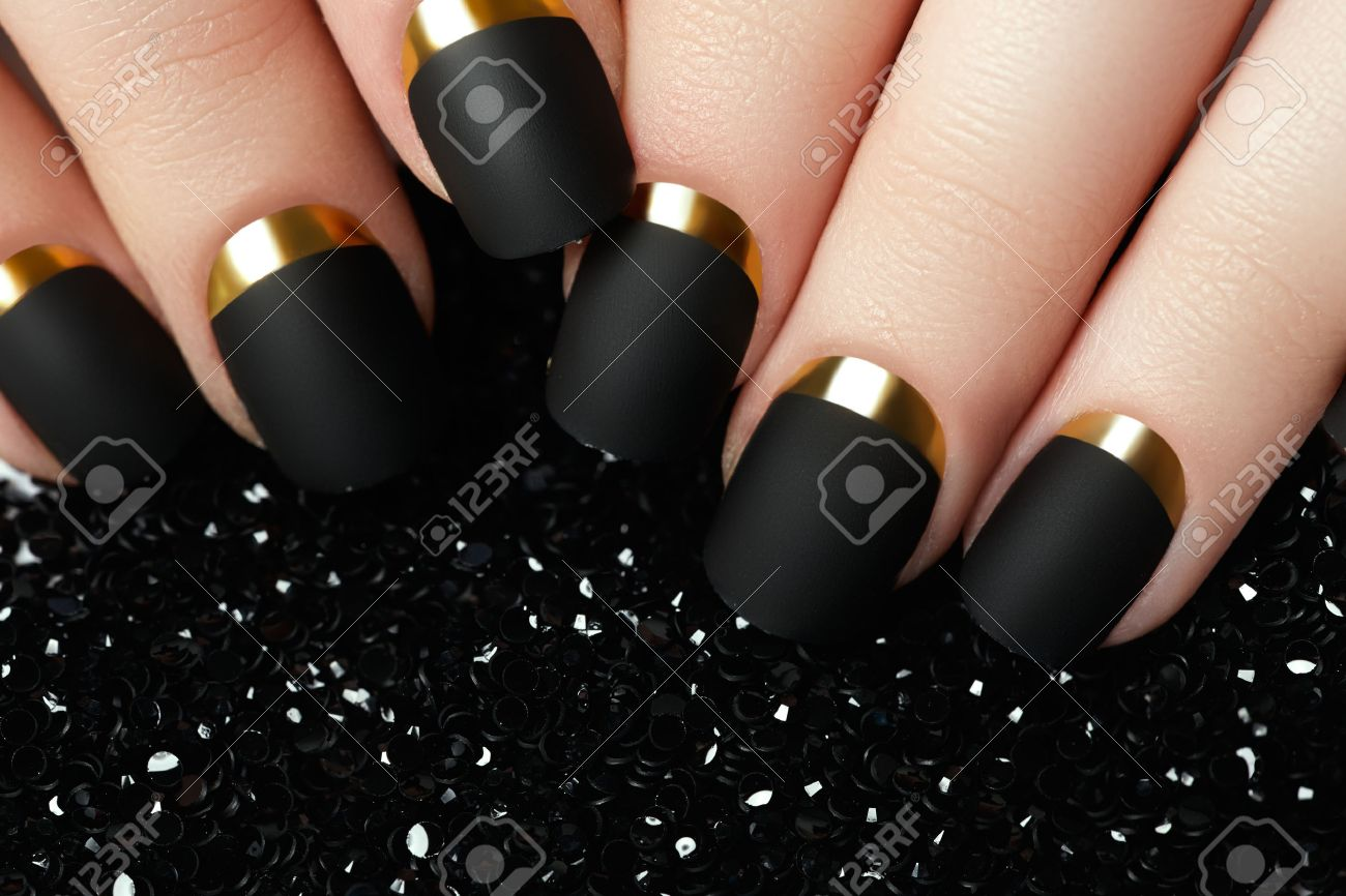 Black Matte Nail Polish Manicured Nail With Black Matte Nail