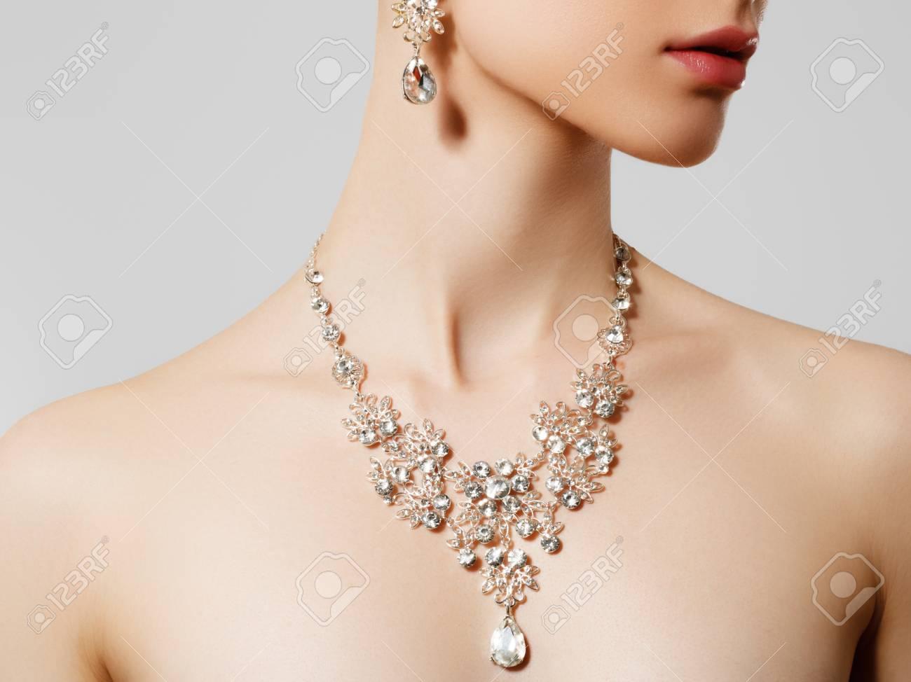 Elegant Woman With Jewelry Beautiful Woman With Diamond Necklace