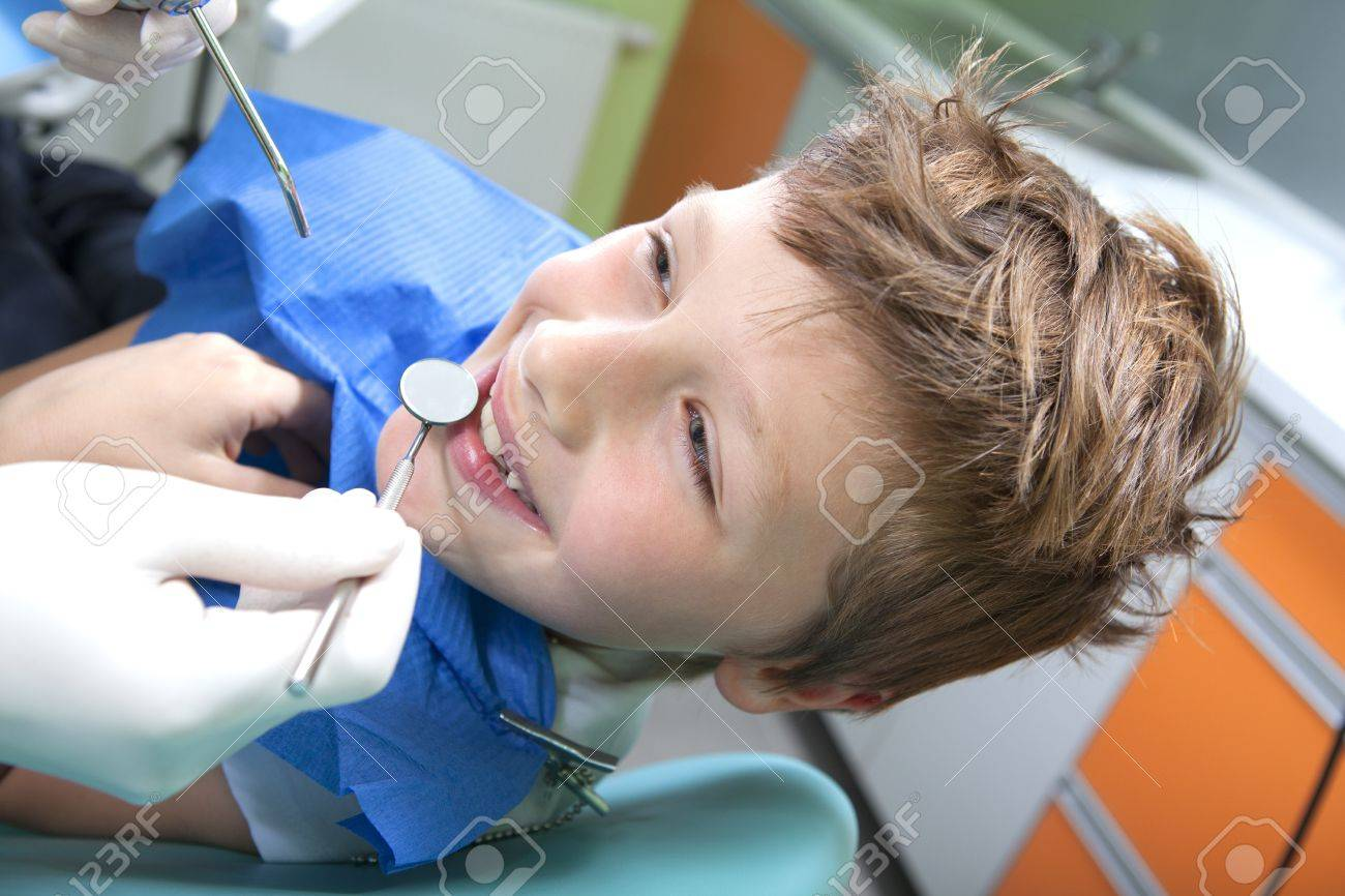 Young boy in a dental surgery Stock Photo - 11171079