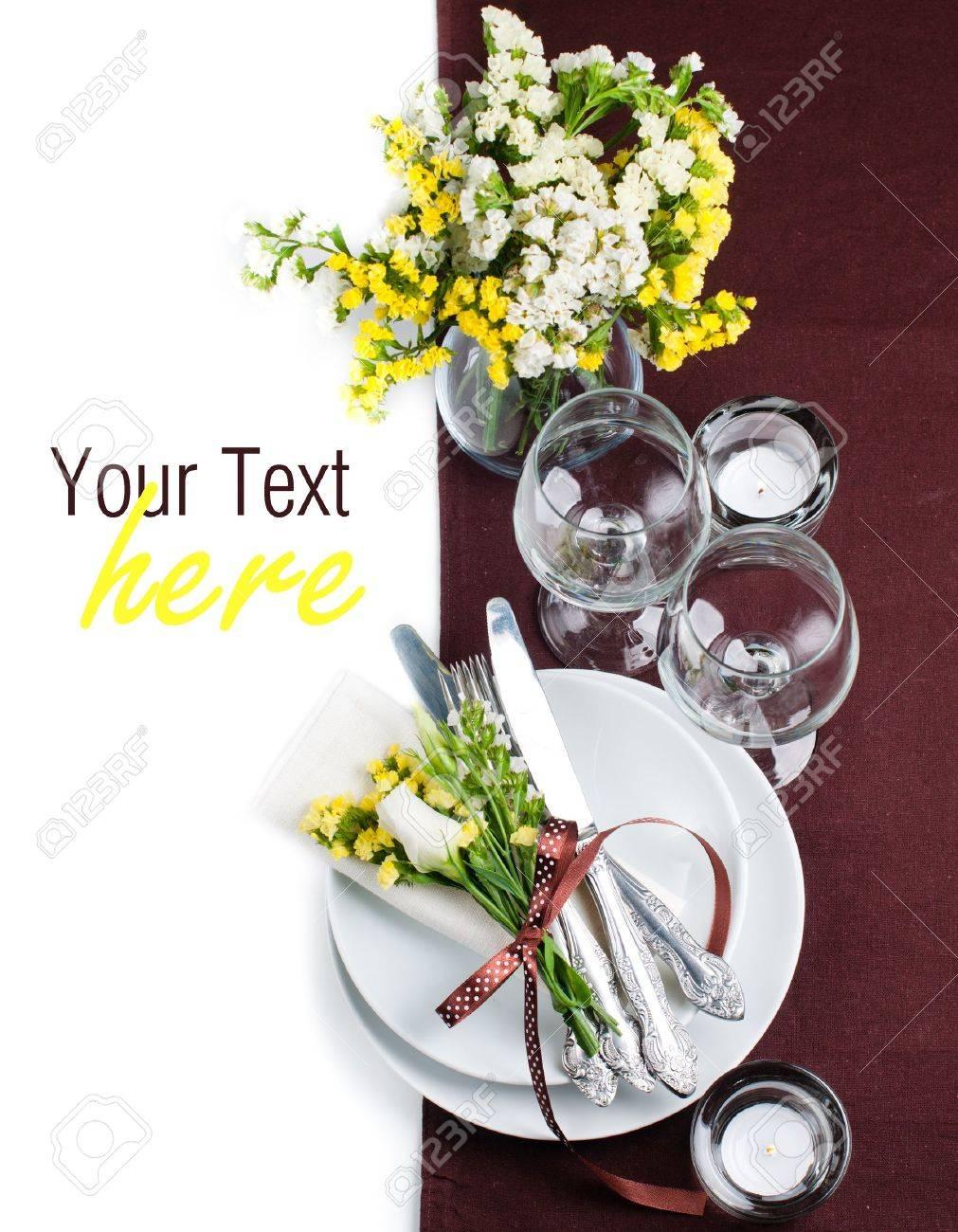 Cadre Et La Decoration De Table De Fete Avec Des Fleurs Fraiches En