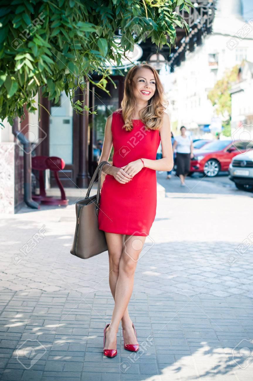 High Heels Red Dress - Is Heel