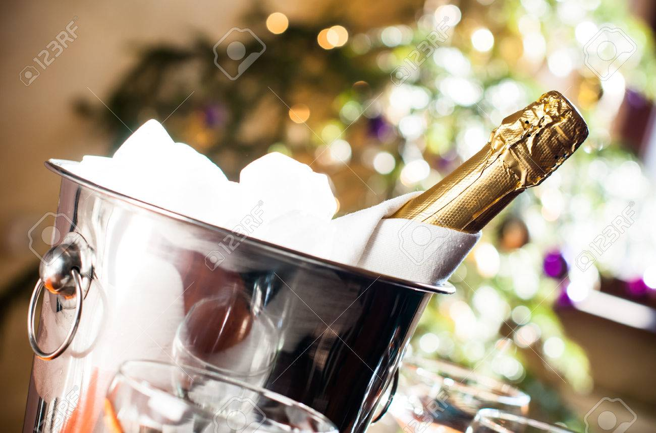 Does champagne need to be chilled