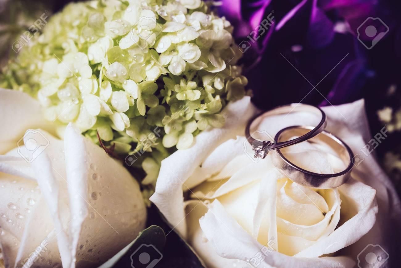Big Strauss Frischer Blumen Lila Hortensien Und Weissen Rosen Und