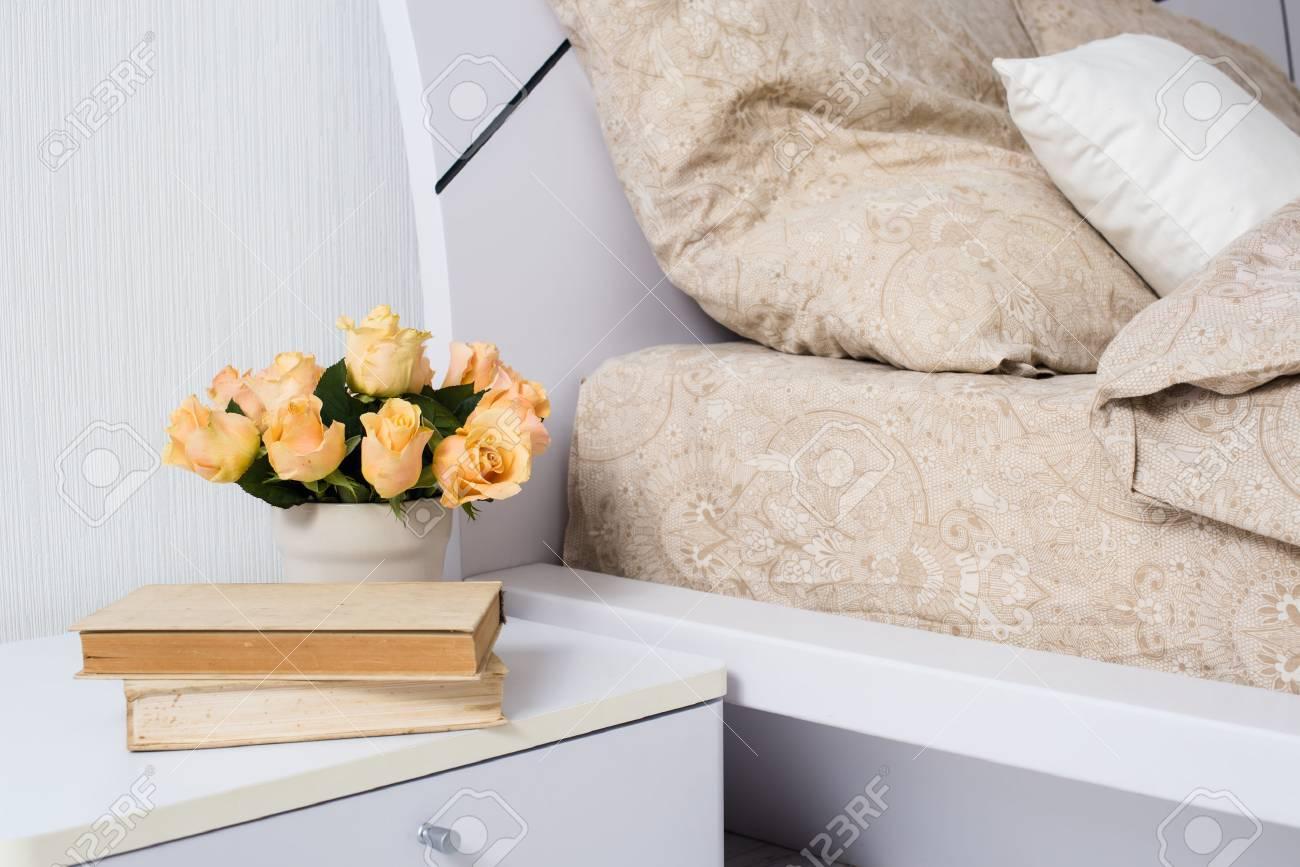 Lin Confortable ChambreLit Intérieur Lumineux Beige Avec Blanc De DIE9H2