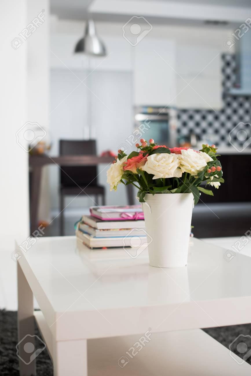 Simple Decoration Interieure De La Maison Vase De Fleurs Sur Une