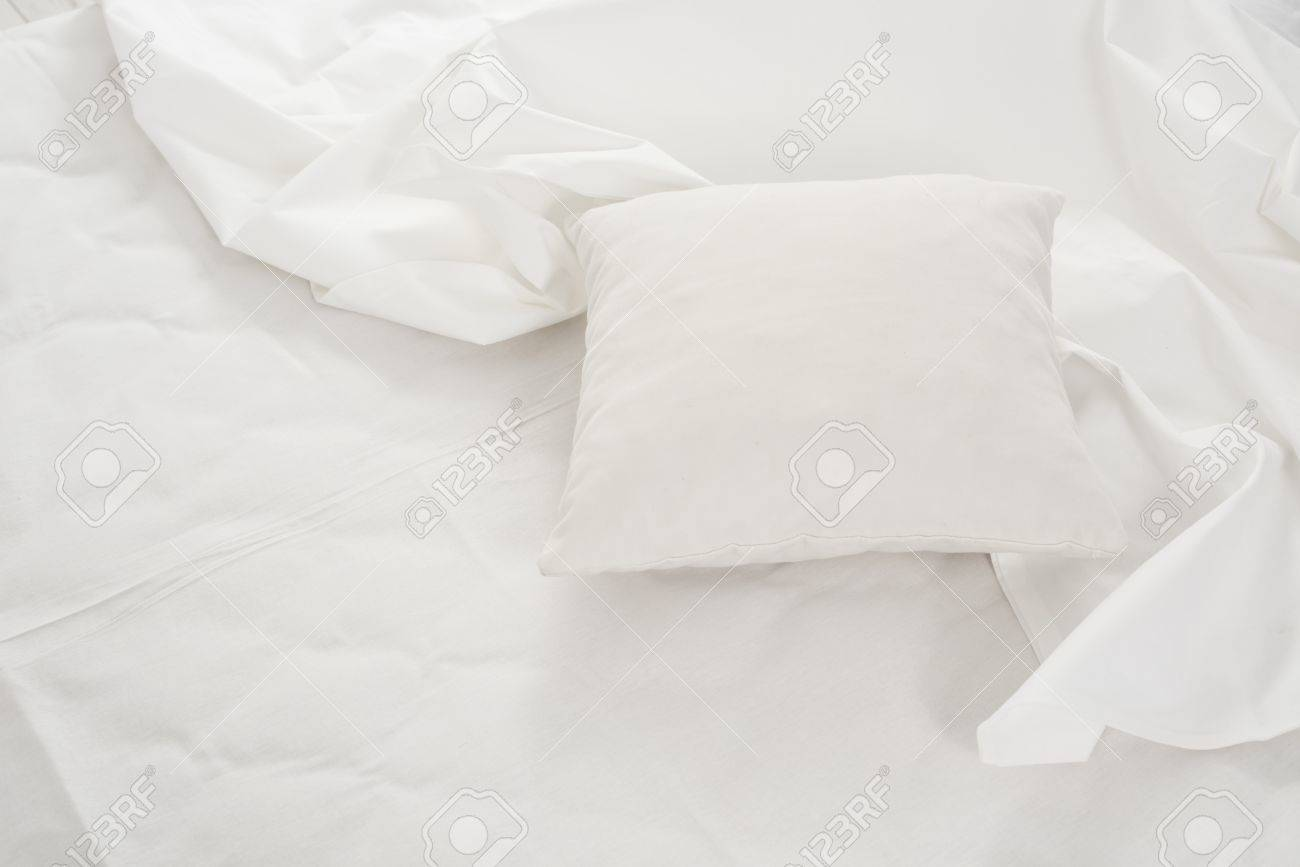 Rumpled bed sheet - New Snow White Bed Pillows And Crumpled Sheets White Linen Cloth White