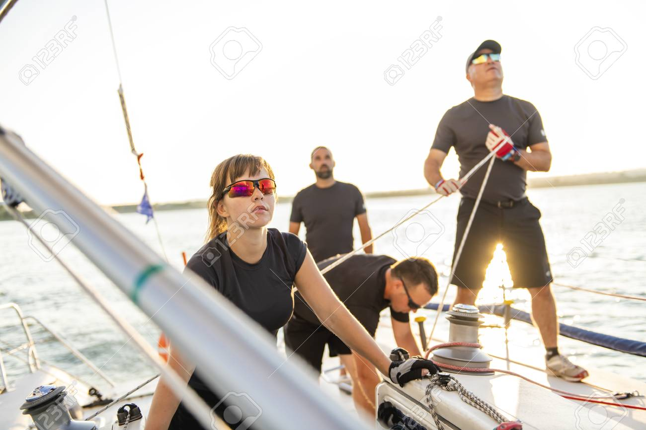 Team athletes Yacht training for the competition - 112336717
