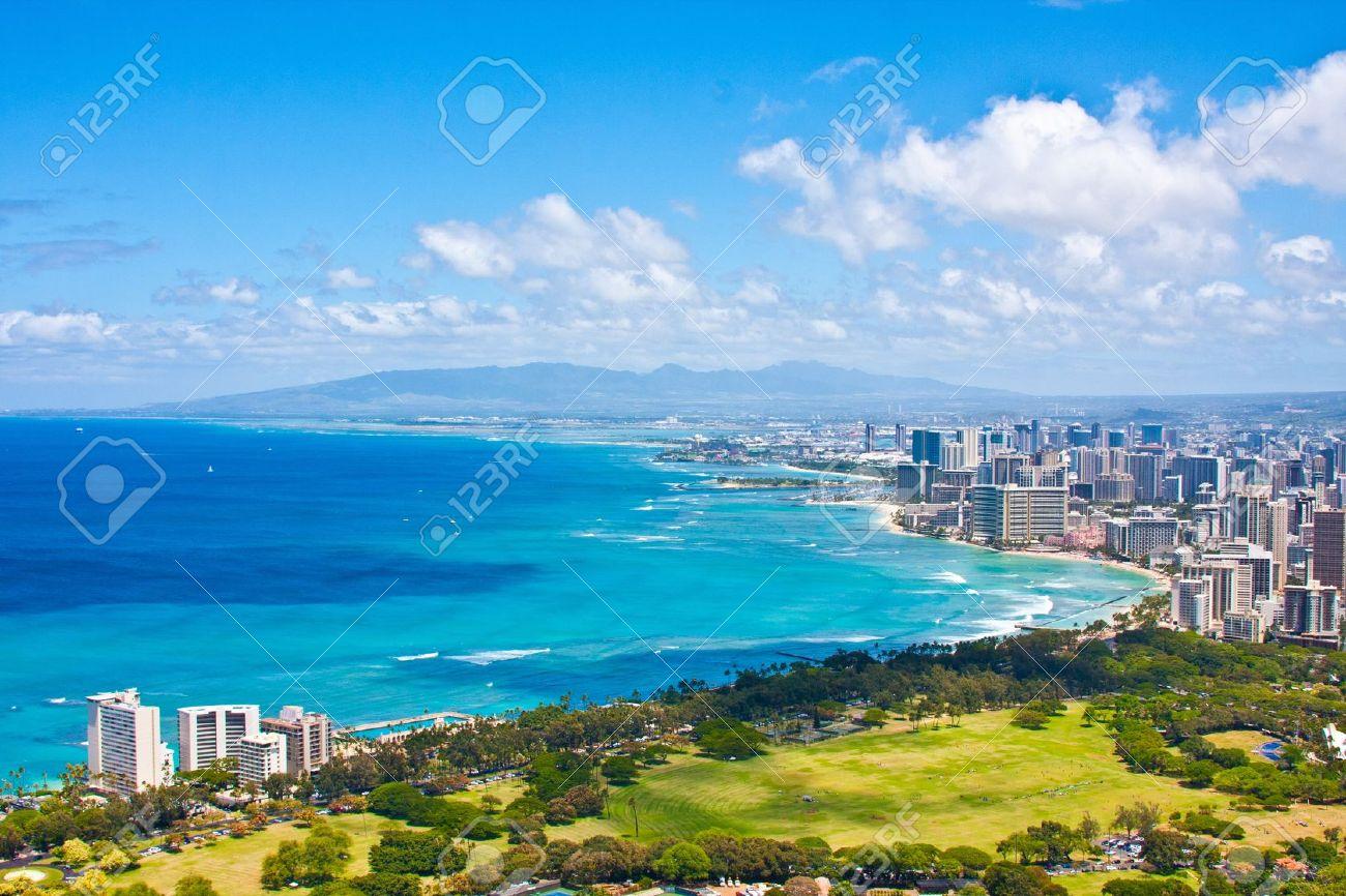 Beautiful Skyline of Oahu,Hawaii - 19195147