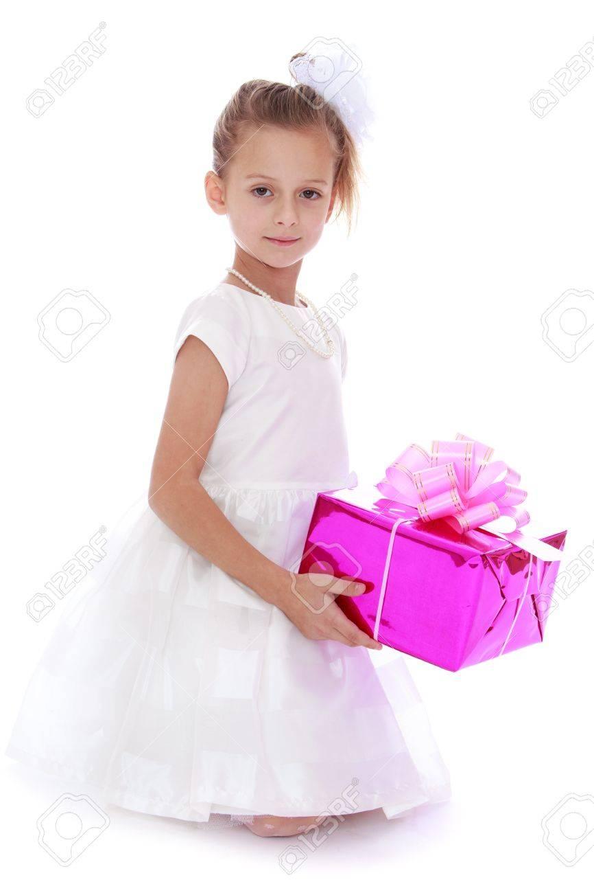Pequeña Niña Princess.Beautiful Con Un Vestido Blanco Largo De ...