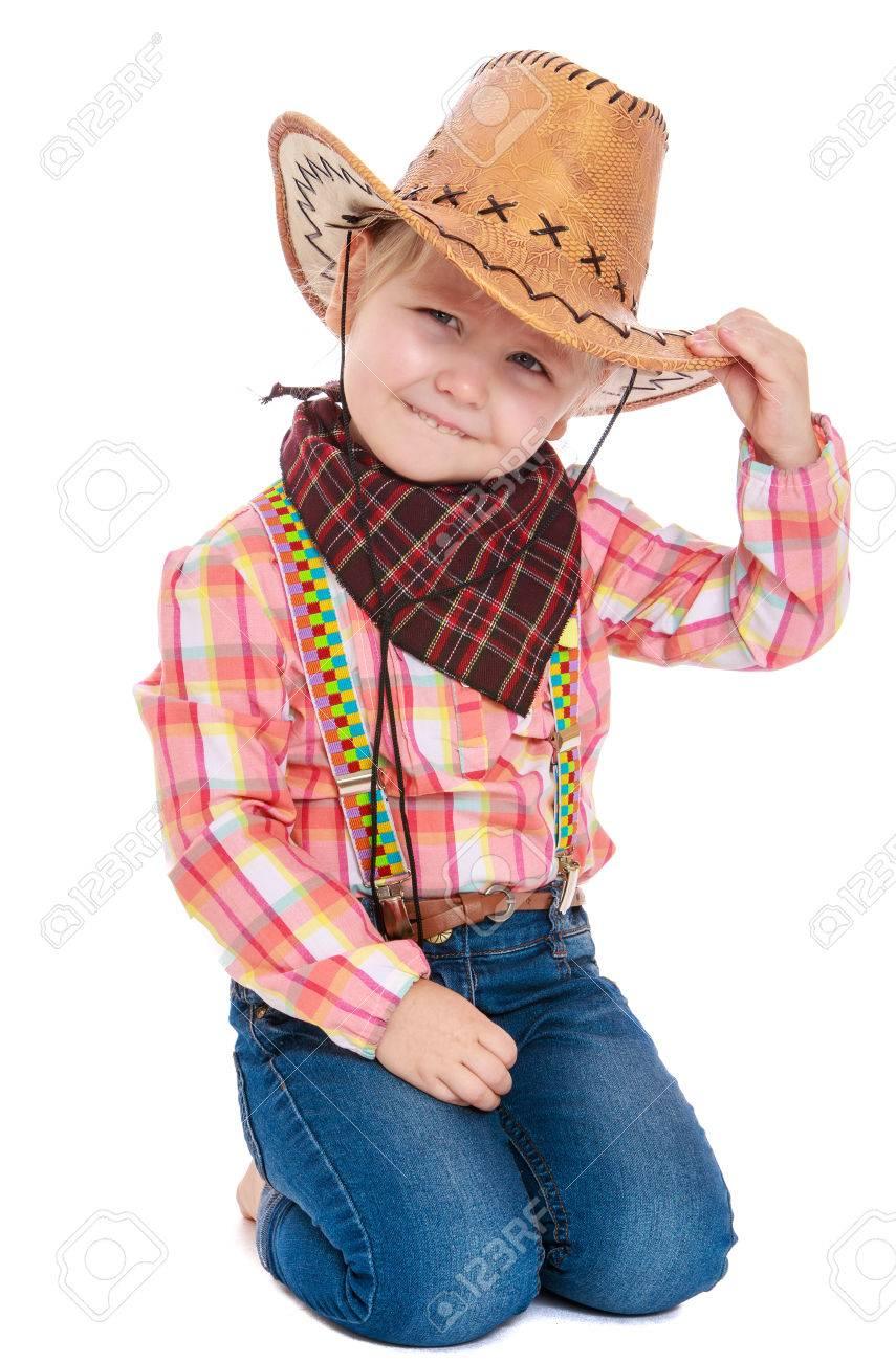 15716c57c Niña Adorable Vestido Como Un Vaquero. Una Niña Sentada En Su Regazo En La  Cabeza Llevaba Un Cuello Cowboy Vendada Con Un Pañuelo.