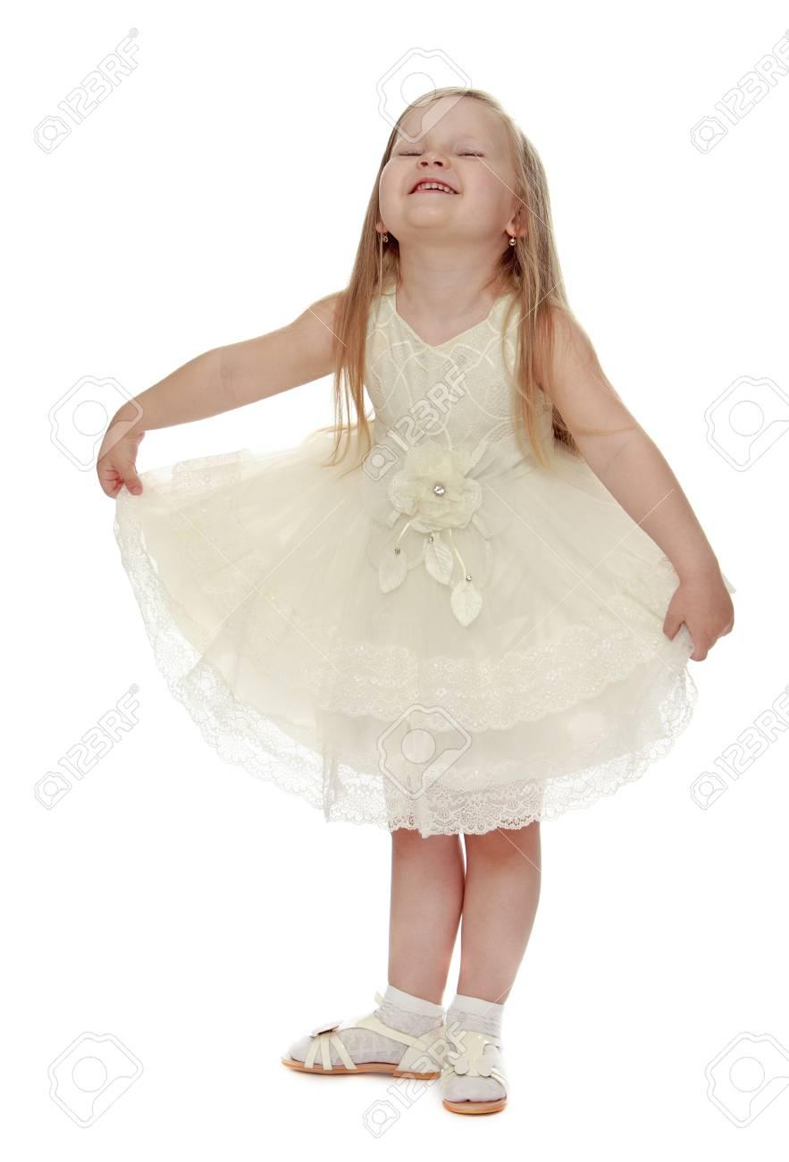 Lust Auf Ein Wenig Blonden Mädchen In Einem Weißen Partykleid ...