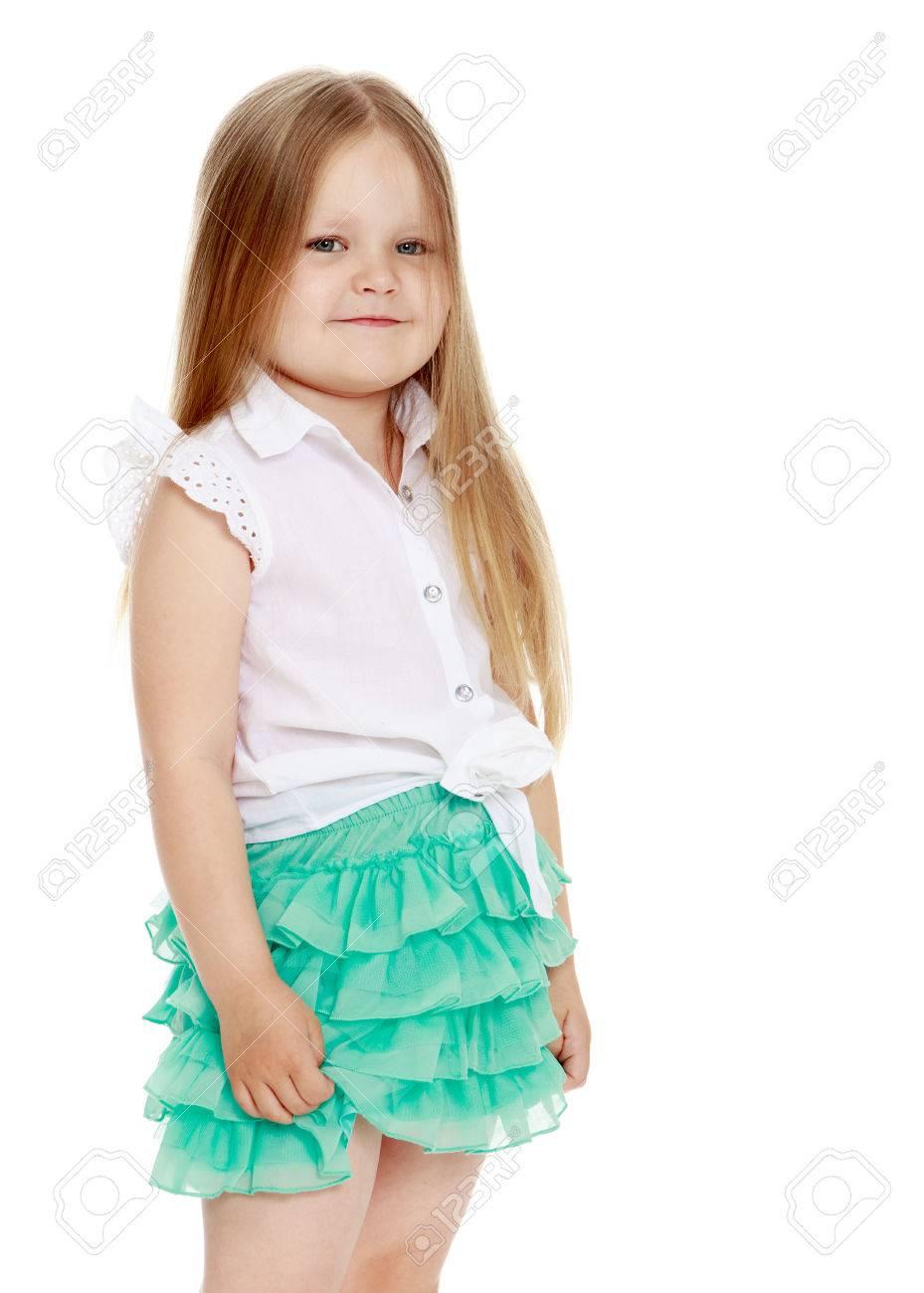 93d9d4701d263 Caucasian Petite Fille Aux Longs Cheveux Blonds Sous Les épaules ...