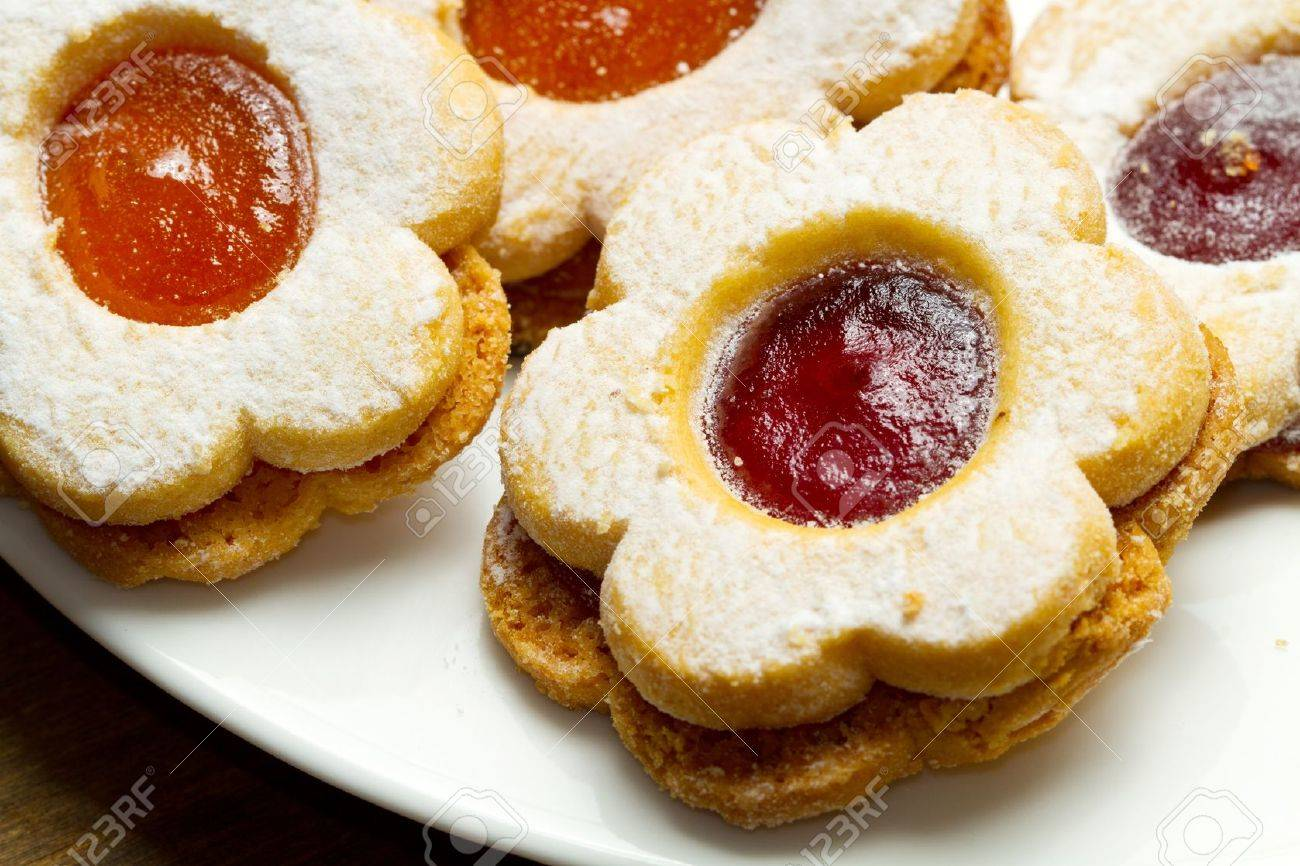 biscuits with jam Stock Photo - 11989279