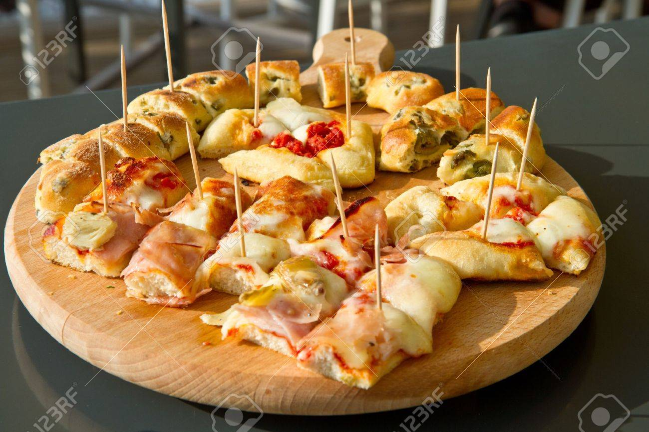 pizza with vegetables and cheese - 14333841