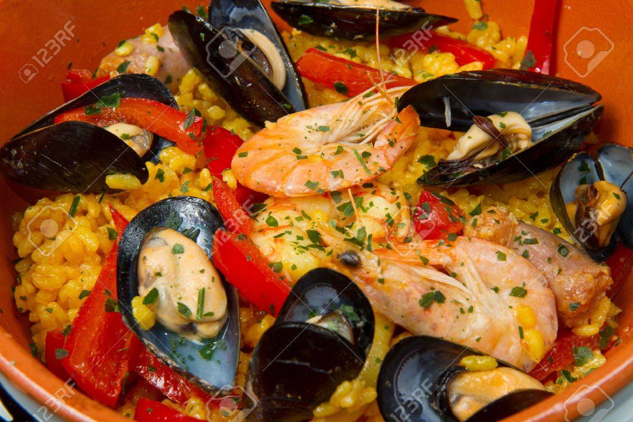 Seafood Spanish Paella, traditional recipe Stock Photo - 14854734