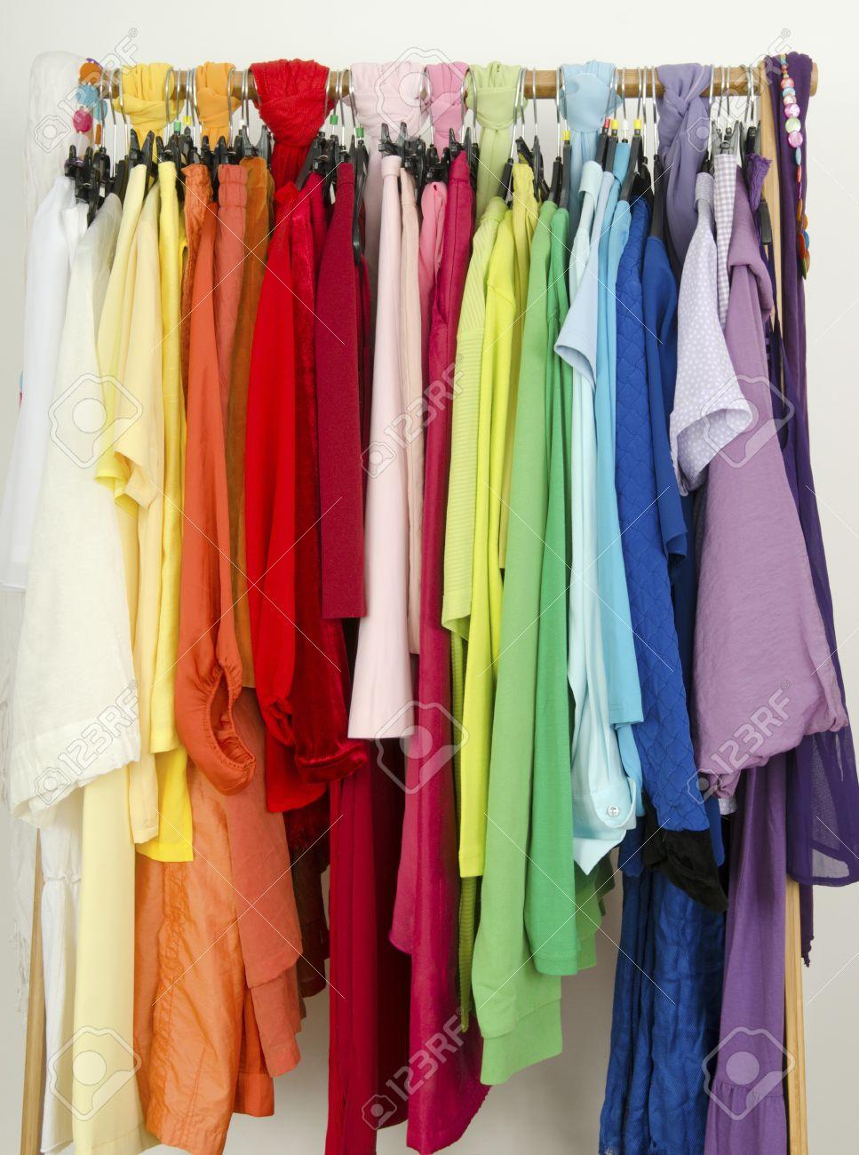 Bildergebnis für Bilder zu Farben und Kleider