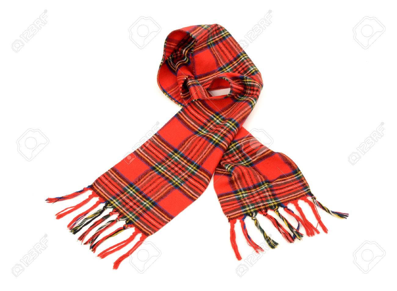 bd2b969b735d Banque d images - Echarpe d hiver Tartan avec une frange. foulard à  carreaux rouge isolé sur fond blanc.