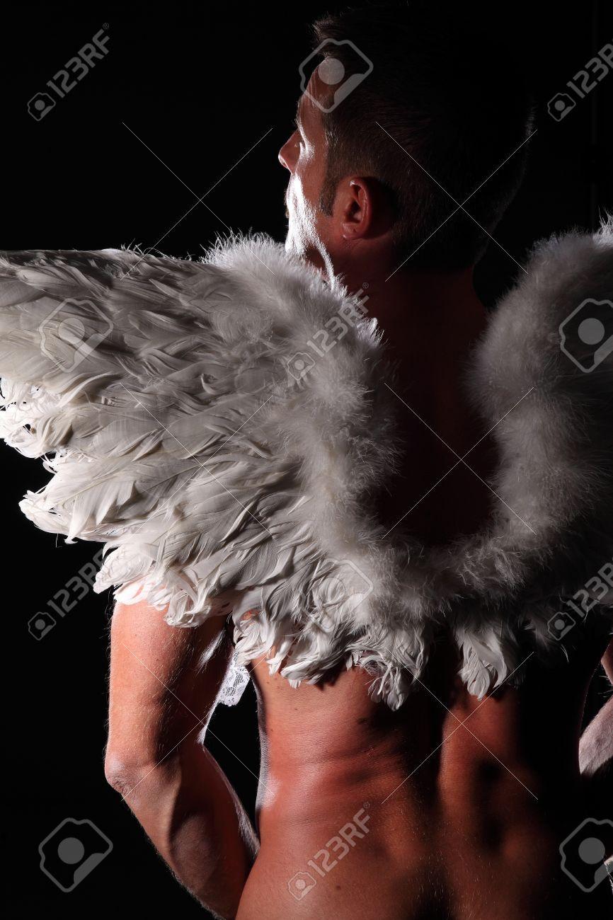 Image D Ange Homme homme musclé avec des ailes d'ange banque d'images et photos libres