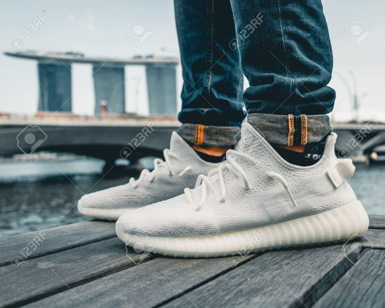 yeezy 350 cream white outfit