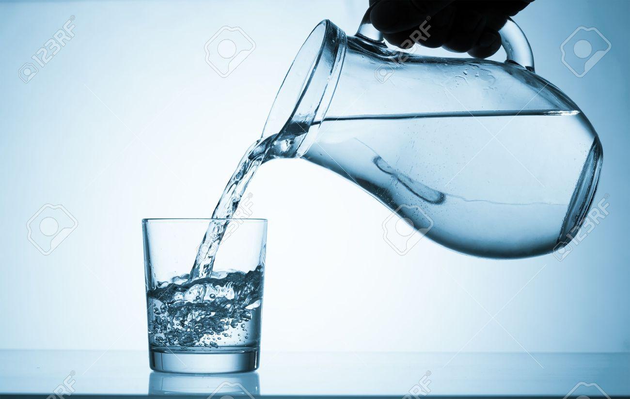 Resultado de imagen para jarra con agua
