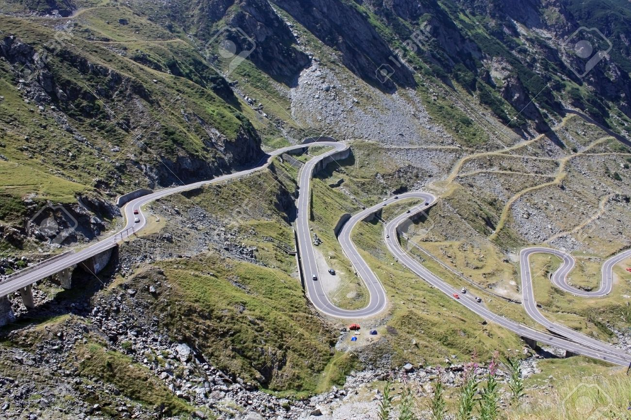 Difficult road of Transfagarasan from Romania Stock Photo - 14544399